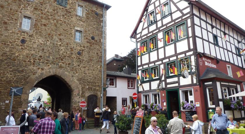 Stadttot und Stadtmauer